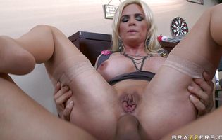 Lovely blonde floosy Diamond Foxxx with firm tits getting her ass plowed