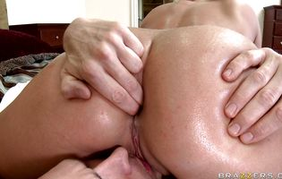 Nasty blonde girl Sadie Swede impales her plump butt on a hard wang