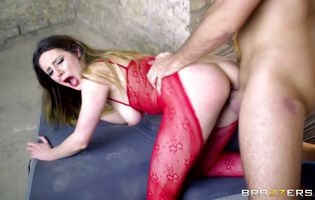 Sassy babe Samantha Bentley with curvy natural tits getting her wet bum fucked flawlessly