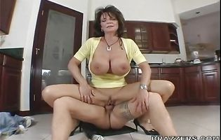 Slutty brunette mature Deauxma deepthroats her anal sex muscular fucker