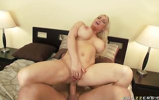 Overwhelming blonde Diamond Foxxx with massive tits 's butt helps in making the magician's meat disappear