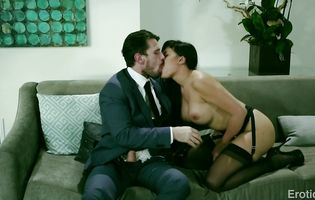Aroused cougar Mercedes Carrera has her delicious slit eaten and bum banged