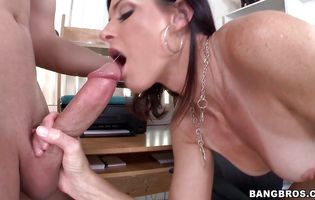 Blasting and digging sensational girlie India Summer with round tits eager ass for a hot orgasm