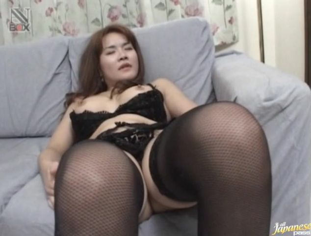 Insatiable oriental babe Mako Kamizaki was getting bum fucked from the back