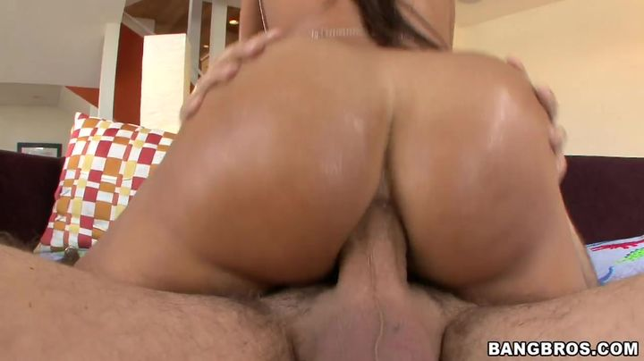 Luscious Lisa Ann has a tight bum and she receives a shlong